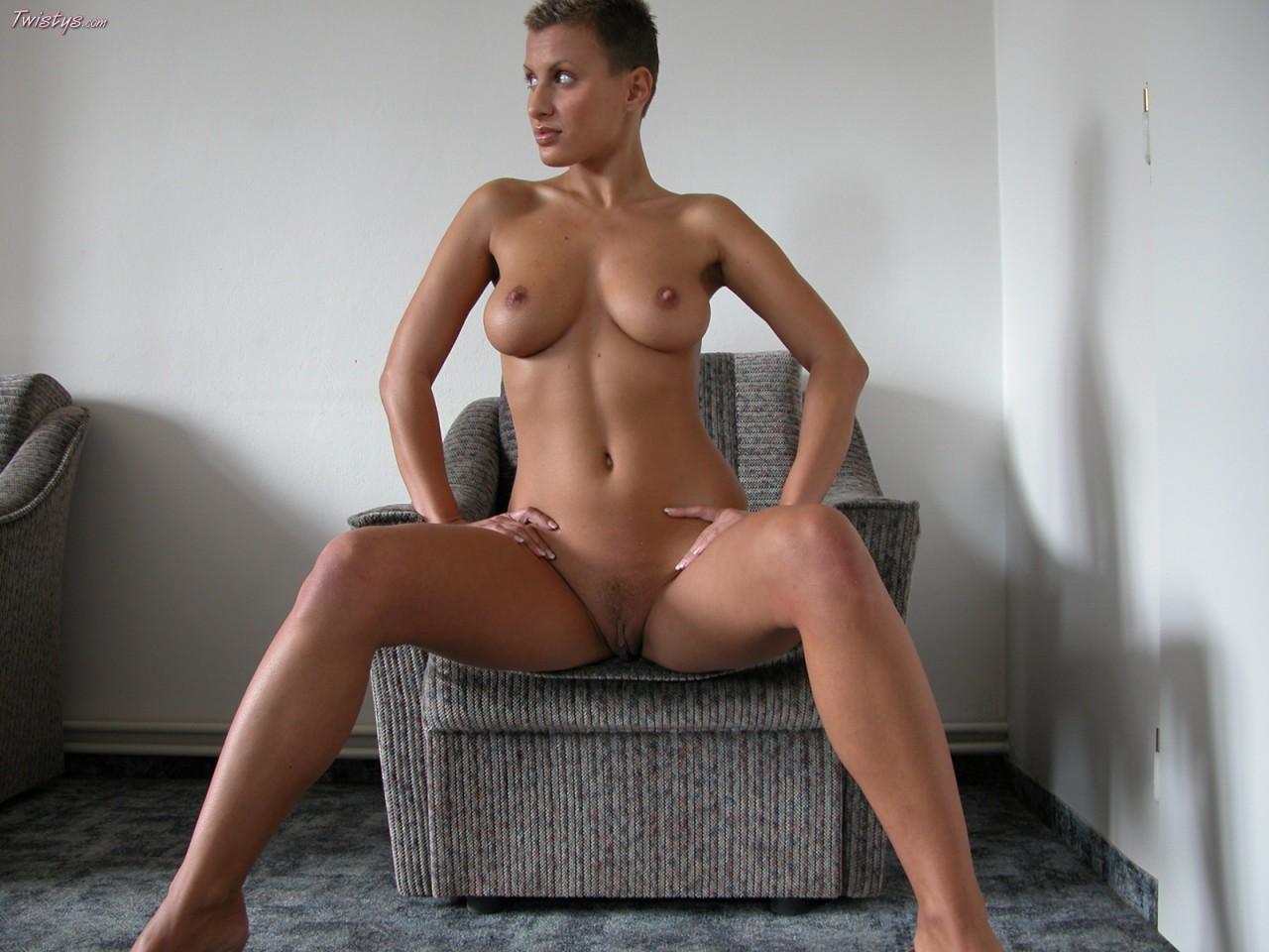 Veronica Vanoza Nude 98