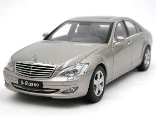 autoart-mercedes-benz-s500-swb-2004-in-silver-118-scale-.jpg