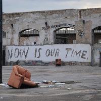 Vhils robbantással készült street art portréi Berlinben - A Levi's bemutatja: Now is our time!