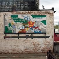 Specter élethű reklámtáblát festett Baltimoreban