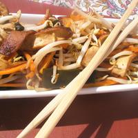 Pirított tofu zöldségekkel, mézes szójaszószban