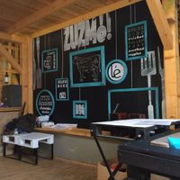 ZuzmÓ Urban BBQ Pub, Eger