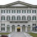 Álomhotel Moschino-kivitelben burzsujkisasszonyoknak