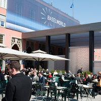 Bohóchalak és matadorbikák - Baselworld 2011 képekben (1/2)