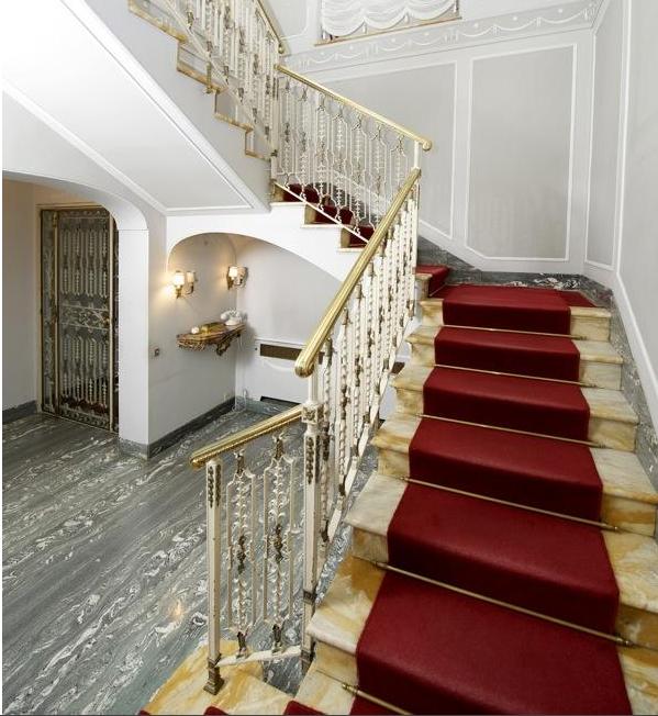 Eladó a Spanyol lépcső 1, Róma legmenőbb otthona - Burzsuj