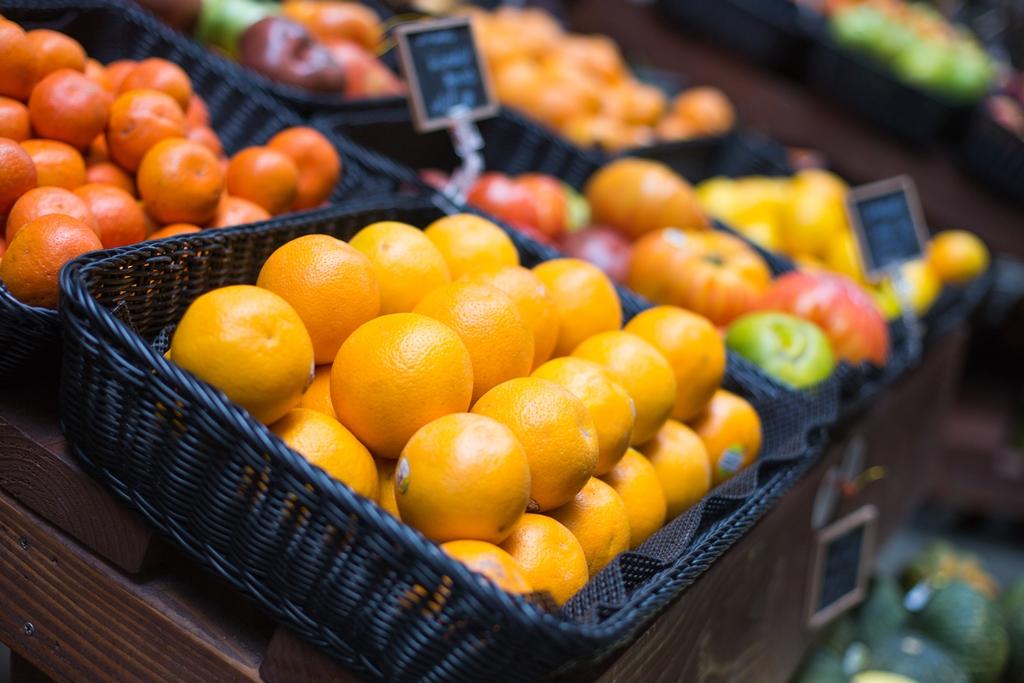 fresh-oranges-on-small-farmers-market-picjumbo-com.jpg