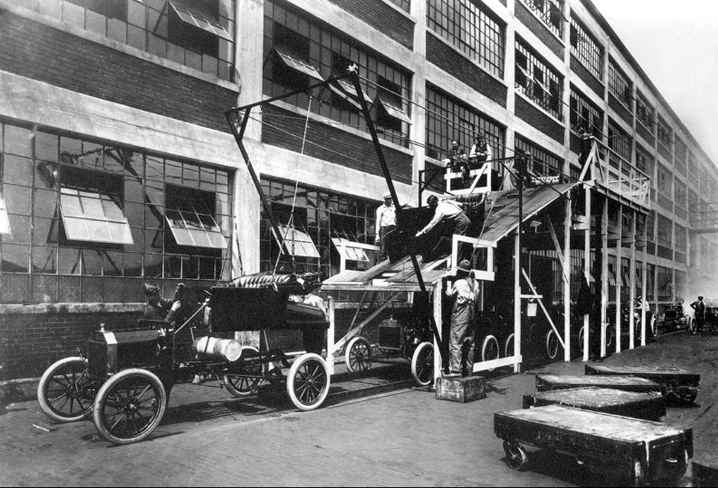 henry-ford-my-life-and-work-1913-experimenting-with-mounting-body-on-model-t-chassis.jpg