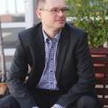 """""""Kleider machen Leute""""? - Interjú Dr. Ferkelt Balázzsal, a Budapesti Gazdasági Főiskola általános rektorhelyettesével, kommunikációs felelősével"""