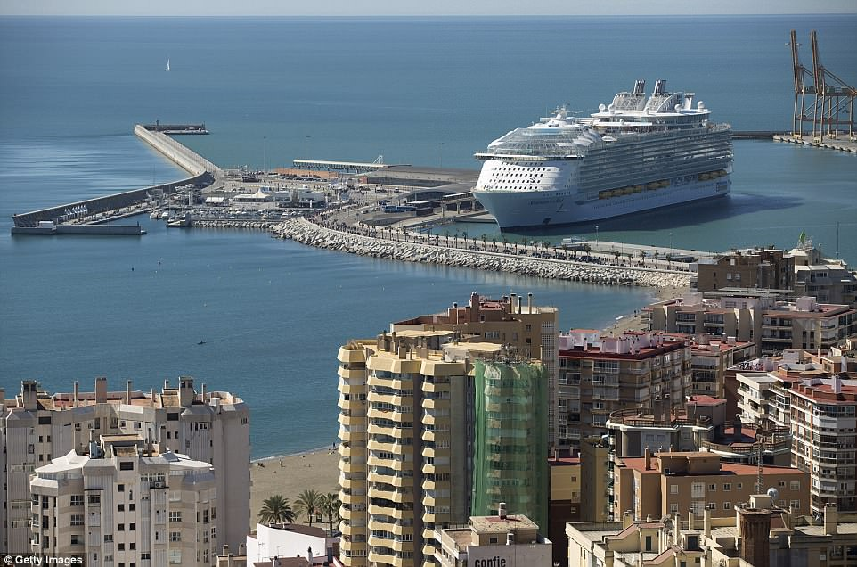 4aa3540100000578-5553023-malaga_spain_march_27_a_picture_shows_the_royal_caribbean_s_symp-a-31_1522248956588.jpg
