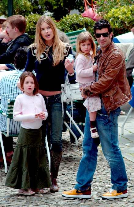 Figo és családja