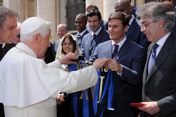 Figo az Interrel a pápánál