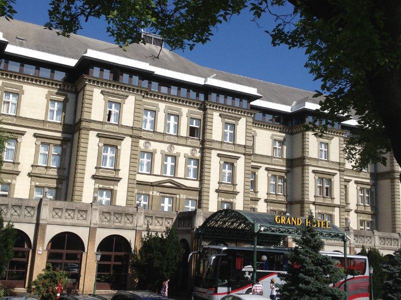 grant-hotel.jpg