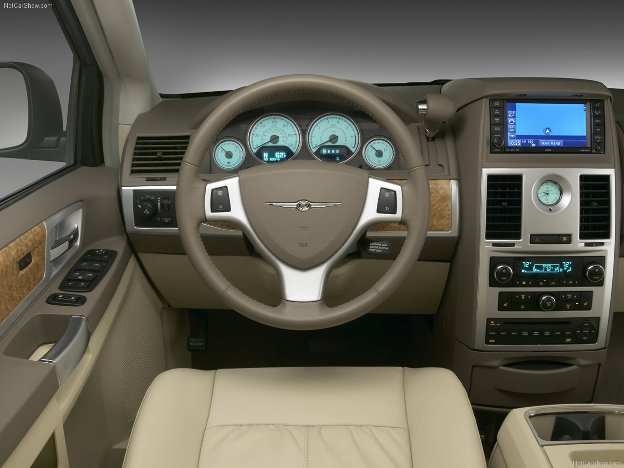 chrysler-town_and_country-2008-1280-06.jpg