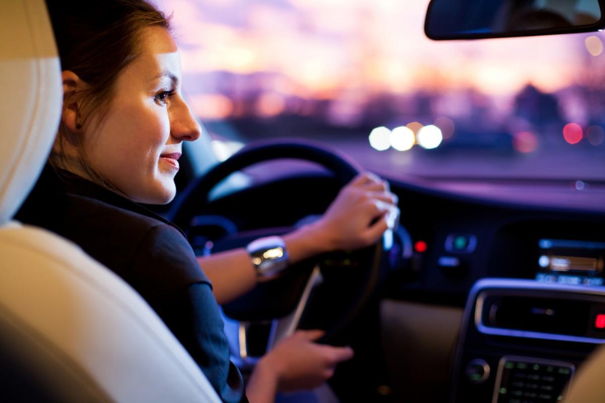 female-driving-chickdriven.jpg