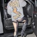Lady Gaga bugyiban melltartóban