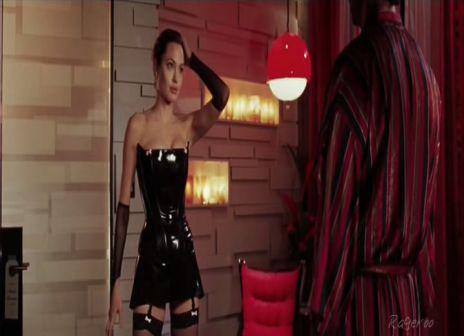 www.filesonic.com/file/628767391/Angelina_Jolie-Mr_And_Mrs_Smith-4.avi