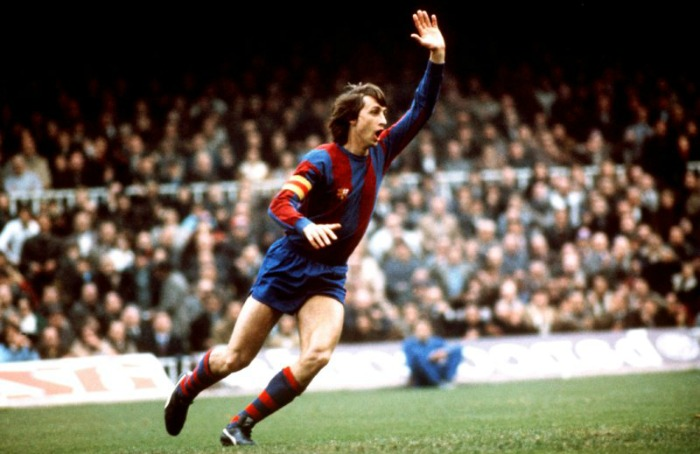 johan-cruyff-as-fc-barcelona-captain.jpg