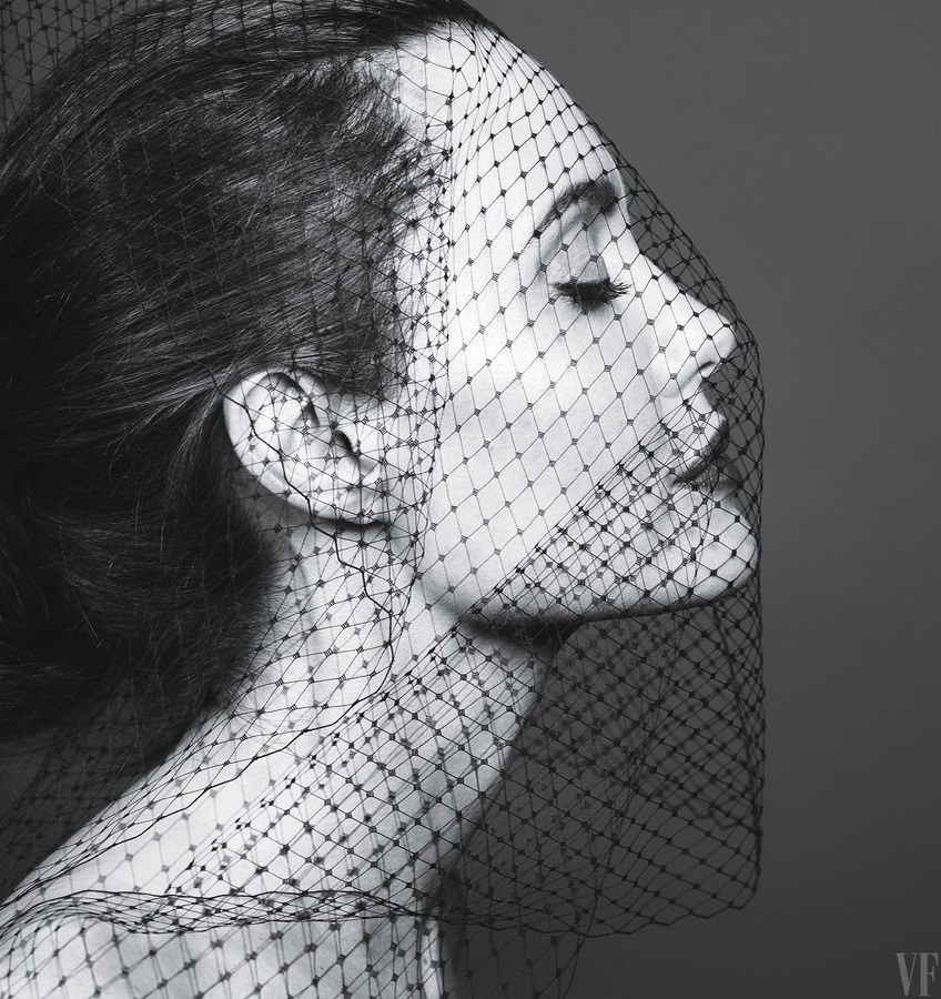 angelina-jolie-vf-0917-cover-ss09.png