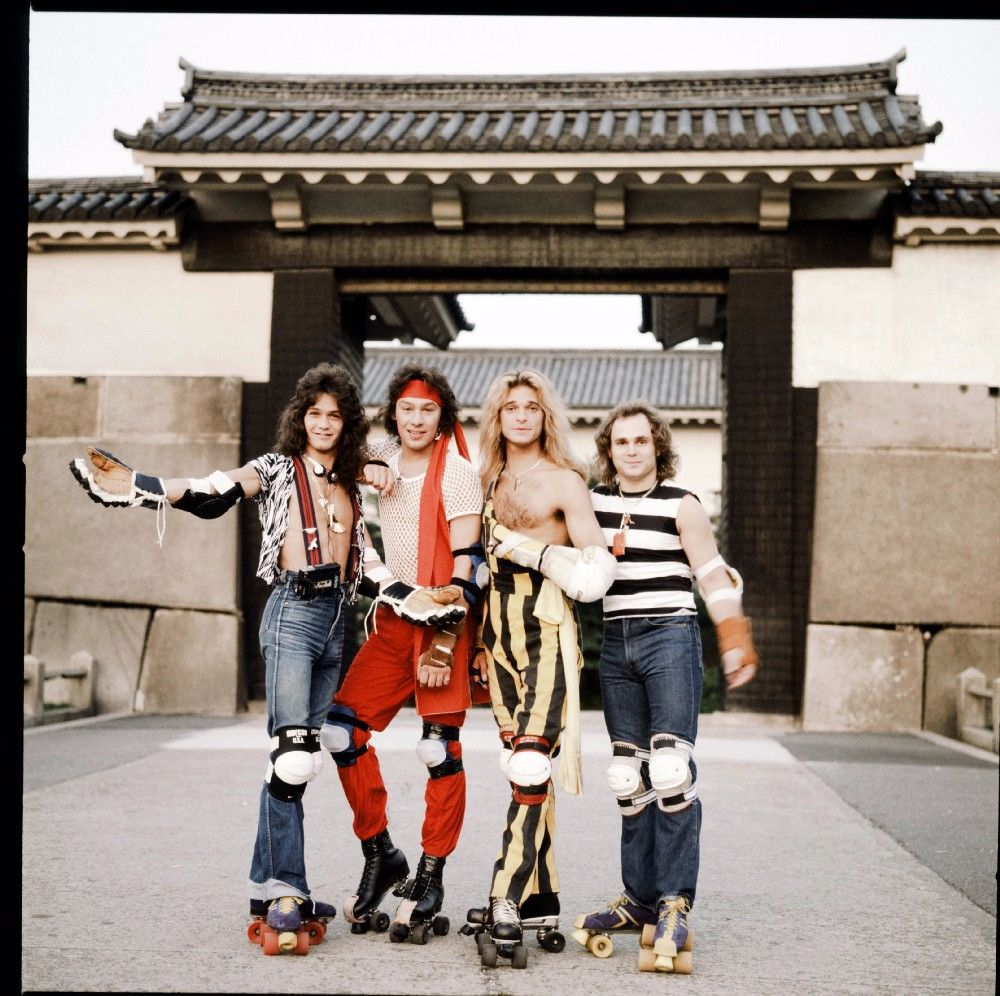 rock-stars-as-tourists-in-japan-1970s-80s-3.jpeg
