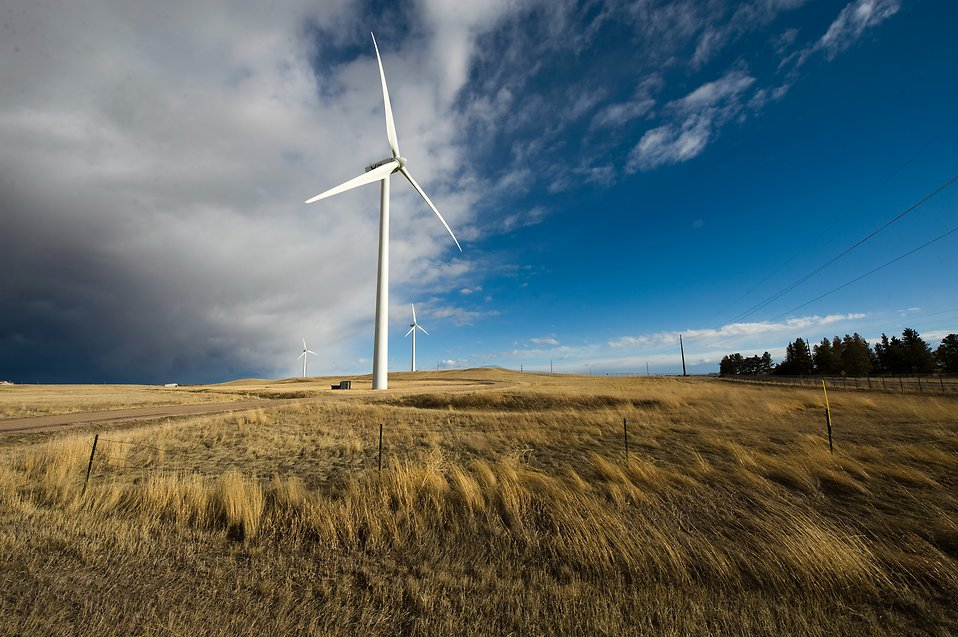 14724-a-wind-turbine-in-a-field-pv.jpg