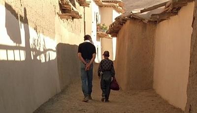 movie-bad-ma-ra-khahad-bord-by-abbas-kiarostami-s2-mask9.jpg