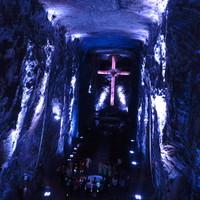Katedrális, kétszáz méter mélyen