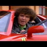A mikrofonfrizurás Jeremy Clarkson egy Ferrarit tesztel megvolt?