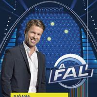 Egyre nevetségesebb az RTL és a TV2 pöcsméregetése