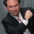 Pilotszezon: Christian Slater most vígjátékkal próbálkozik