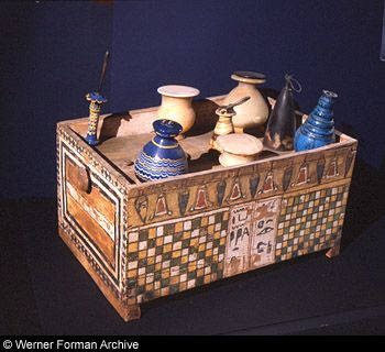 decorated_box_of_cosmetics_18th_dynasty_1386-1349_bc_museo_egizio_turin_ancient_egypt.jpg