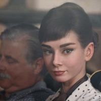 Audrey Hepburn egy csokoládé reklámban