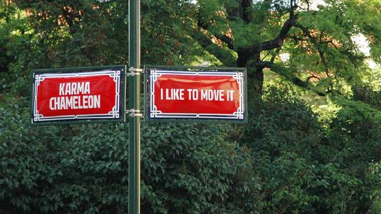 Örökzöld slágerekre változtatták Prága utcaneveit