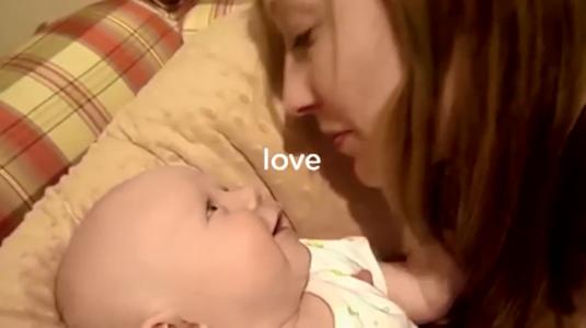 Cuki babavideók a Pampers legújabb reklámkampányában
