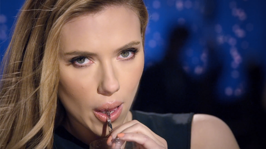 A Fox betiltotta a Scarlett Johansson-os Super Bowl reklámot