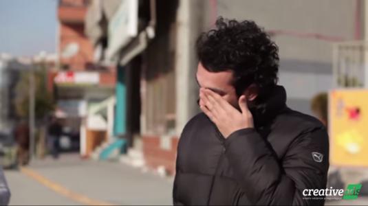 Csodálatos meglepetés egy hallássérült fiúnak a Samsungtól