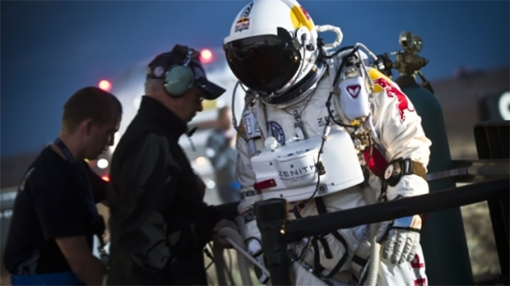 red-bull-stratos-02.png