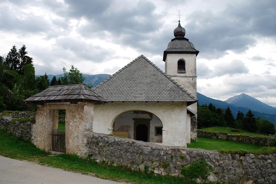 chapel-385081_960_720.jpg