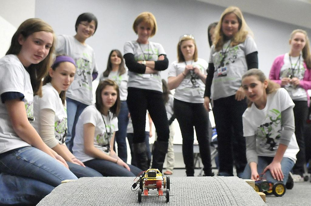photo_of_the_week-_women_in_stem_introducing_girls_to_engineering_8722940949.jpg