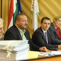 A csepeliek pénzéből fizettette ki a Fideszes közvéleménykutatást Borbély Lénárd