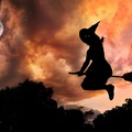 A kormány megtiltotta a boszorkányoknak, hogy 150 méternél magasabban repüljenek a seprűjükön