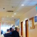 Agymosás kezelés előtt, üvöltözés a folyosón a csepeli SZTK-ban