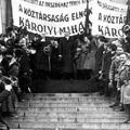 Az Első Magyar Köztársaság kikiáltása 99 éve történt a Parlamentnél