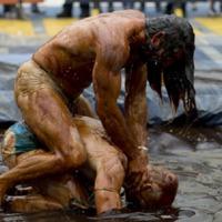 Hudák János jelzése a csepeli iszapból: birkózás övön aluli ütésekkel