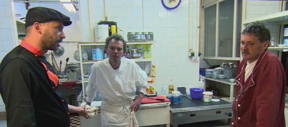Csődben a csepeli Bogrács étterem, de gatyába rázza a konyha ...