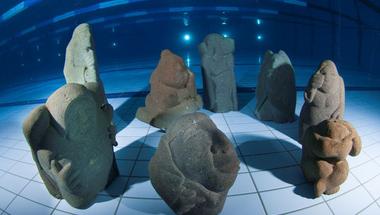 Merülés - videón a víz alatti kiállítás