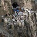 Hisztis lámák teszik tönkre a világ leglehetetlenebb kolostorát