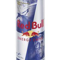 Bessenyei a Red Bull dobozára repül