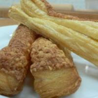 Vajas tészta ( sajtos pogácsa, sajtos rúd, ízes levél)