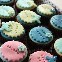 Gluténmentes verses-mákos cupcake