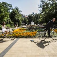 Nyári esküvő bicajjal